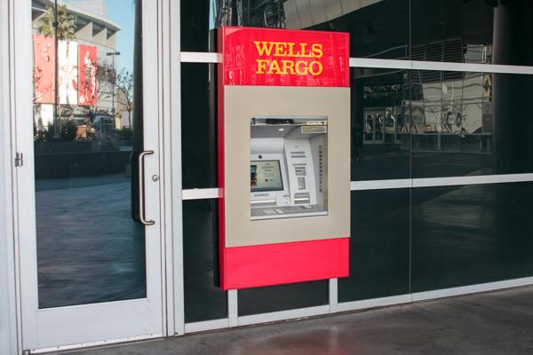 150114_Wells_Fargo_ATMs_IMG_9417.jpg
